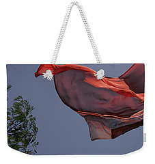 Skc 0958 The Flying Saree Weekender Tote Bag by Sunil Kapadia