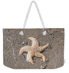 Weekender Tote Bag featuring the photograph Starfish by Tiffany Erdman