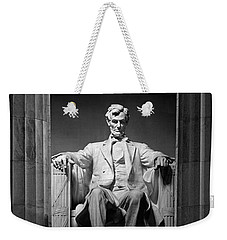 Statue Of Abraham Lincoln Weekender Tote Bag by Panoramic Images