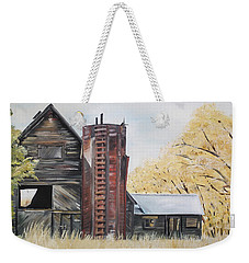 Golden Aged Barn -washington - Red Silo  Weekender Tote Bag