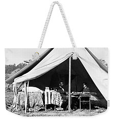 Weekender Tote Bag featuring the photograph Abraham Lincoln Meeting With General Mcclellan - Antietam - October 3 1862 by International  Images