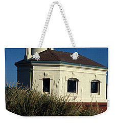 Weekender Tote Bag featuring the photograph Coquille Light by Sharon Elliott