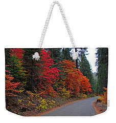 Weekender Tote Bag featuring the photograph Fall's Splendor by Lynn Bauer