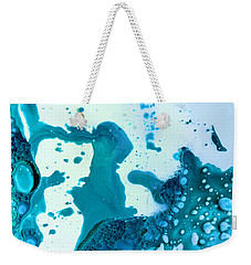 Weekender Tote Bag featuring the photograph Fluidism Aspect 468 Photography by Robert Kernodle