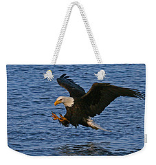 Weekender Tote Bag featuring the photograph Ready To Strike by Doug Lloyd
