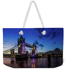 Weekender Tote Bag featuring the photograph London England by Mariusz Czajkowski