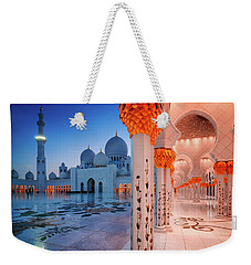 Night View At Sheikh Zayed Grand Mosque, Abu Dhabi, United Arab Emirates Weekender Tote Bag