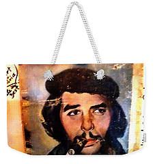 A Garlicky Che Guevara In Havana  Weekender Tote Bag