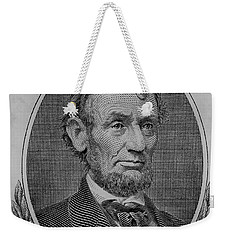 Weekender Tote Bag featuring the photograph Abe On The 5 B W by Rob Hans