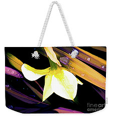 Abstract Daffodil And Droplets Weekender Tote Bag
