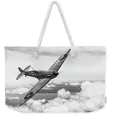 Weekender Tote Bag featuring the photograph Al Deere In Kiwi IIi Bw Version by Gary Eason