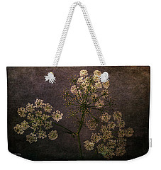 Weekender Tote Bag featuring the photograph Anthriscus Sylvestris by Randi Grace Nilsberg
