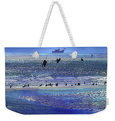 Weekender Tote Bag featuring the photograph Azul De Lluvia by Alfonso Garcia