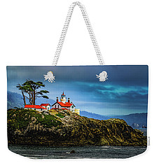 Weekender Tote Bag featuring the photograph Battery Point Lighthouse by Janis Knight