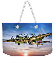 Weekender Tote Bag featuring the photograph Boeing B17g Flying Fortress Yankee Lady by Chris Lord