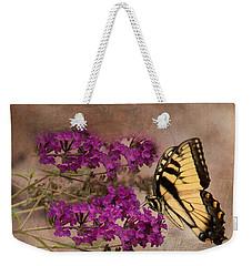 Butterfly , Eastern Tiger Swallowtail Weekender Tote Bag