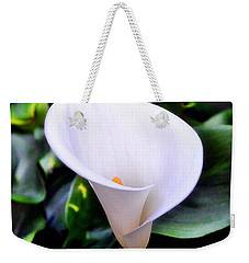 Weekender Tote Bag featuring the photograph Calla Lily by Glenn McCarthy