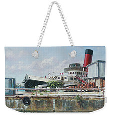Calshot Tug Boat At Southampton Docks Weekender Tote Bag