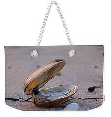 Clam I Weekender Tote Bag by  Newwwman