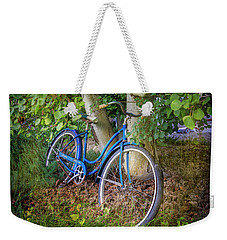 Weekender Tote Bag featuring the photograph Deb's Schwinn I by Craig J Satterlee