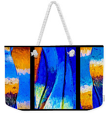 Weekender Tote Bag featuring the photograph Desert Sky by Paul Wear
