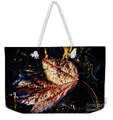 Dew Drops Sparkling And Showing Life On A Leaf -georgia Weekender Tote Bag