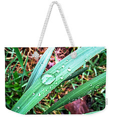 Weekender Tote Bag featuring the photograph Droplets by Robert Knight