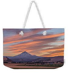 Weekender Tote Bag featuring the photograph Dufur Views by Patricia Davidson