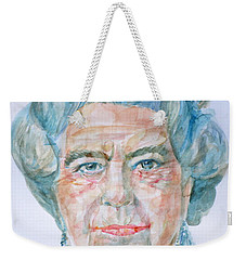 Weekender Tote Bag featuring the painting Elizabeth II - Watercolor Portrait.2 by Fabrizio Cassetta