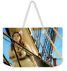 Weekender Tote Bag featuring the photograph Figurehead - Falls Of Clyde by D Davila