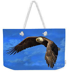 Weekender Tote Bag featuring the photograph Flying Eagle by Geraldine DeBoer