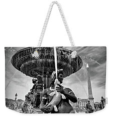 Weekender Tote Bag featuring the photograph Fountain On Place De La Concorde - Paris by Barry O Carroll