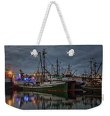 Weekender Tote Bag featuring the photograph Full House 2 by Randy Hall