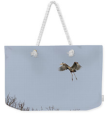 Weekender Tote Bag featuring the photograph Great Blue Heron 2015-14 by Thomas Young
