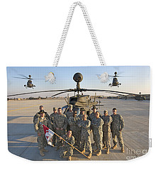 Group Photo Of U.s. Soldiers At Cob Weekender Tote Bag
