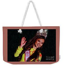 Happy Beauty Queen Wave Weekender Tote Bag