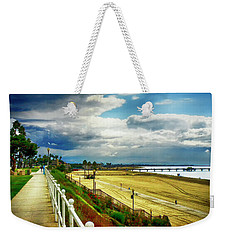 Weekender Tote Bag featuring the photograph Long Beach Bluff Park by Joseph Hollingsworth