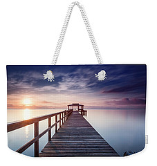 Weekender Tote Bag featuring the photograph Lumos Maxima by Edward Kreis