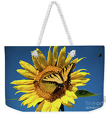 Weekender Tote Bag featuring the photograph Lunch With Friends by Sandy Molinaro