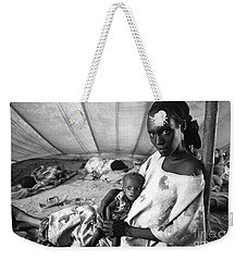 Mother And Her Starving Child In A Tuberculosis Tent, African Di Weekender Tote Bag