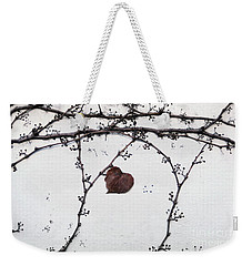 nature art photograph - Lonely Heart Leaf Weekender Tote Bag