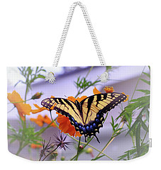 Nectar Hunter Weekender Tote Bag
