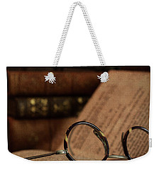 Old Vintage Books With Reading Glasses Weekender Tote Bag