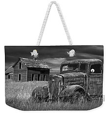 Old Vintage Pickup In Black And White By An Abandoned Farm House Weekender Tote Bag