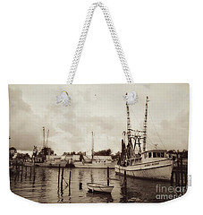 Weekender Tote Bag featuring the photograph Oriental Harbor by Benanne Stiens