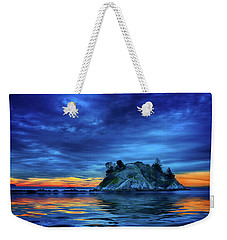Weekender Tote Bag featuring the photograph Pacific Sunset by John Poon
