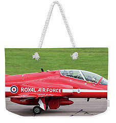 Raf Scampton 2017 - Red Arrows Xx322 Sitting On Runway Weekender Tote Bag