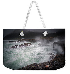 Weekender Tote Bag featuring the photograph Raging Waves On The Oregon Coast by William Lee