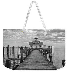 Weekender Tote Bag featuring the photograph Roanoke Marshes Light by David Sutton