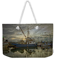 Weekender Tote Bag featuring the photograph Royal Banker by Randy Hall